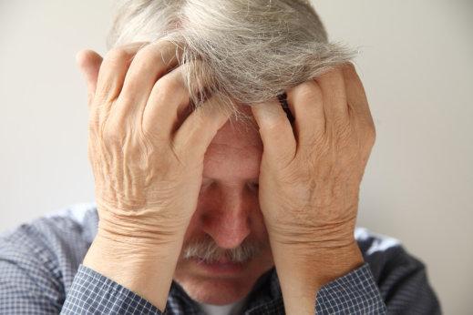 How to Help Seniors Experiencing Paranoia